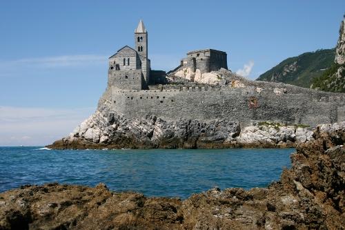 MARE ONLINE Porto Venere, il borgo di pescatori diventato un'esca per i  turisti | MARE ONLINE